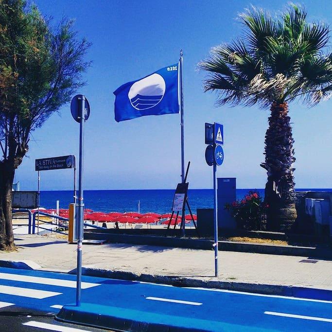 La Bandiera Blu sventola sul lungomare di Terracina anche per il 2018
