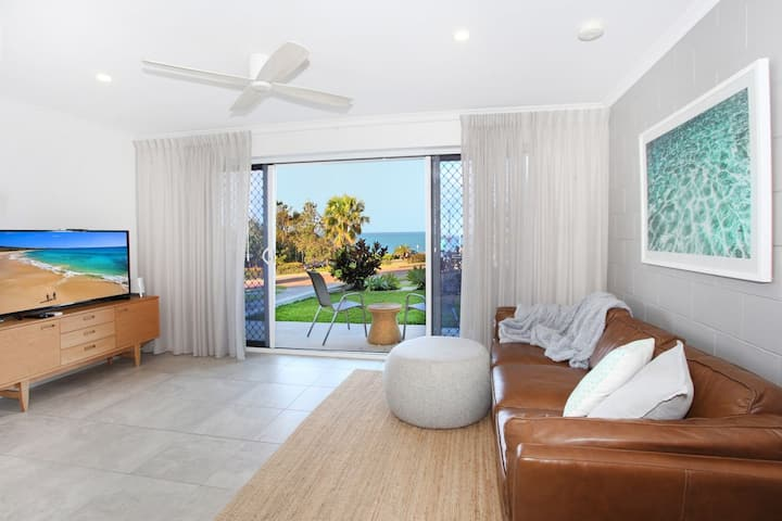 Harbour Lights 1 - Newly Renovated 1 Bedroom Unit at the top of Alexandra Headland!