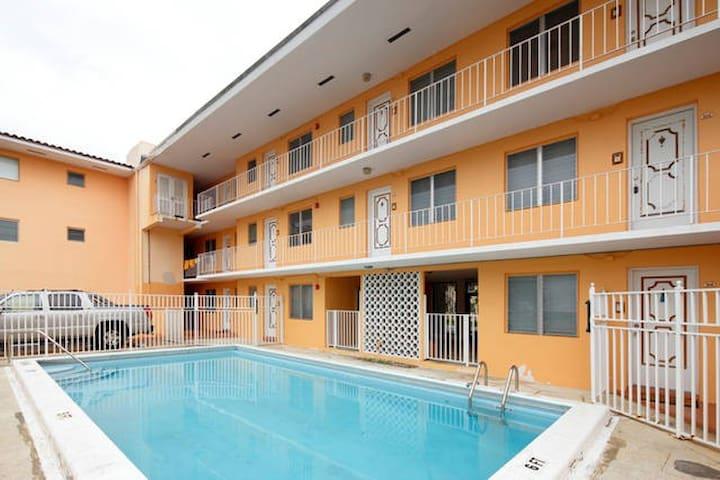 Your Private Apartment in Miami - Coral Gables - Daire