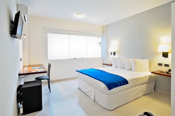 Céntrica habitación hotel 3 estrellas c/ Desayuno