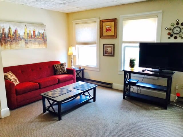 Beautifully furnished 2 bedroom located on Main St