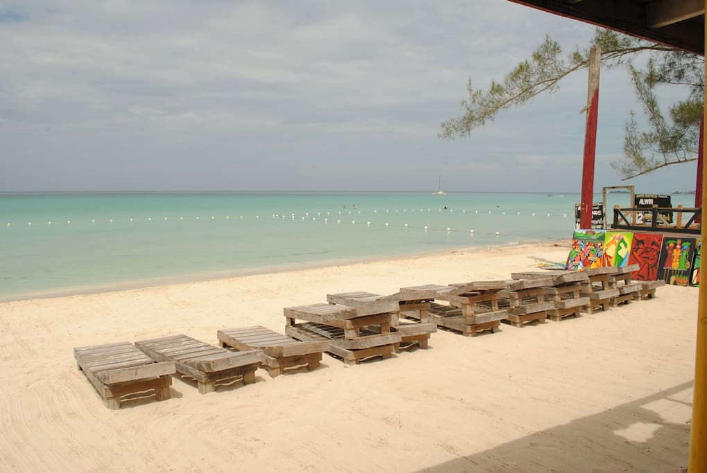 Roots Bamboo Apartments For Rent In Negril Westmoreland
