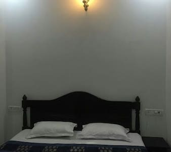 Clean and cozy room in Jaisalmer - Jaisalmer - Bed & Breakfast