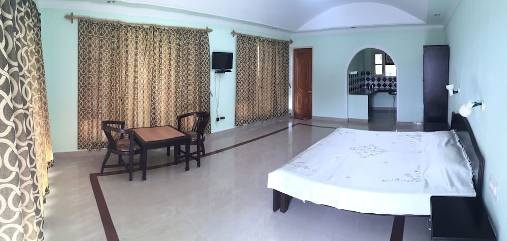 Chopra House - Upper Room 3