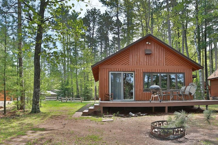 Getaway Cabin on the Lake - St. Germain, WI