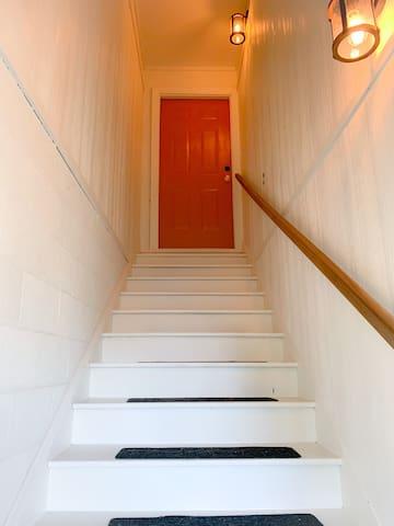 Spacious Upstairs Loft-Style Apartment