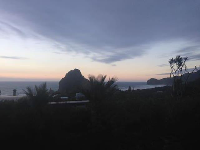 Seaview Cabin - Piha Beach - Piha - Srub