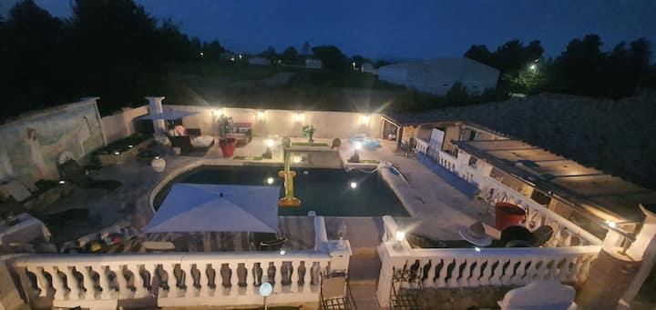 villa  L EVASION  à  jonquerette 84450 vaucluse