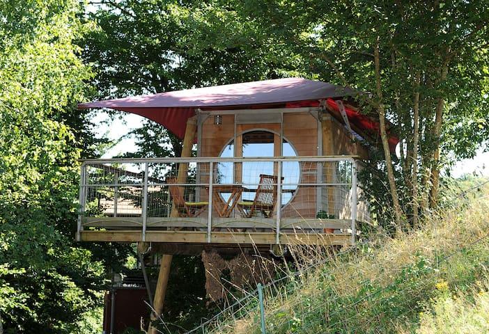 Cabanes dans les arbres Terra Lina grand large - Vyans-le-Val - Cabin