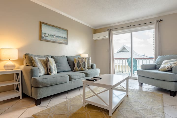 Affordable, close to the beach, sleeps 4 (Unit 4)