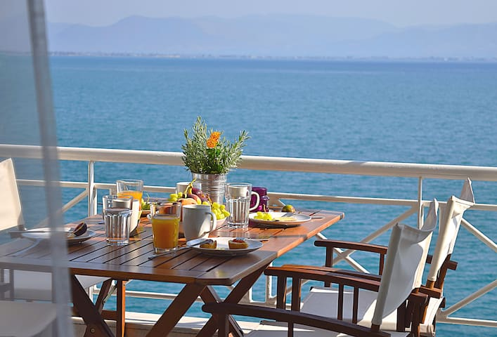 Waterfront Holiday Apartment,  Kiveri, Nafplion - Kiveri - Apartment