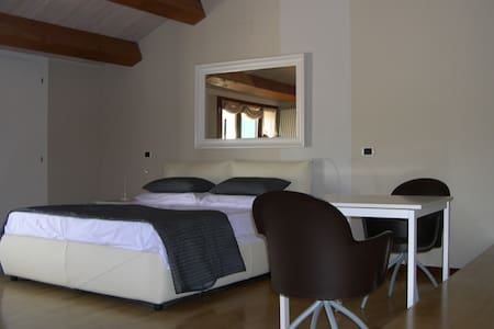 "B&B ""ALLE MURA"" - Bed & Breakfast"