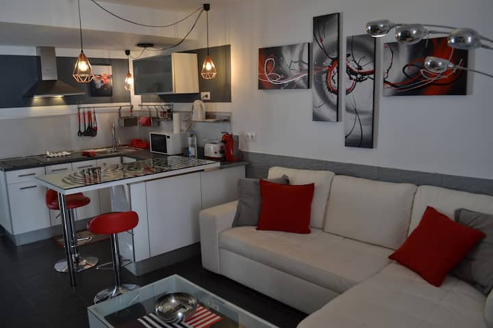 Red Loft Deluxe - central in Playa del Inglés