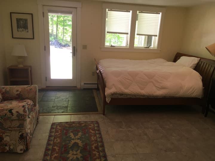 Modern Bristol Village suite