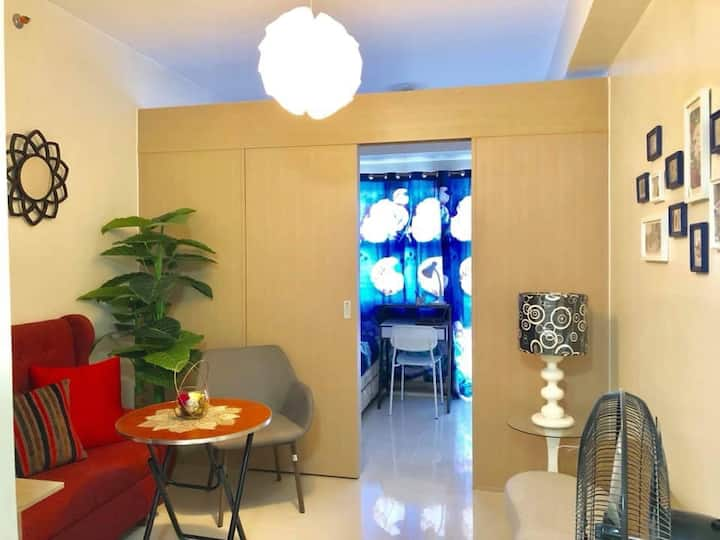 FOR RENT: Unit in FIELD RESIDENCES