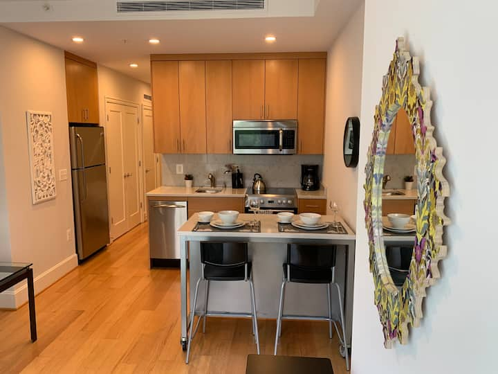 17th & Mass NW~Fully Furnished Apartment