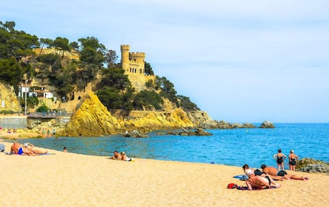 """New Flat """"España"""" close to the Beach, New Beds."""