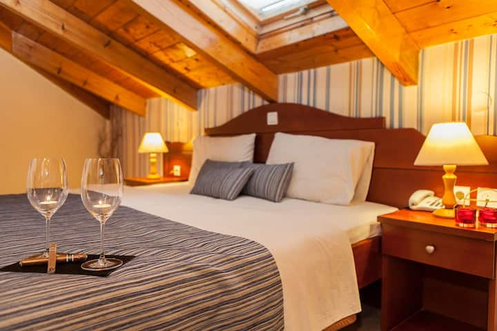 The Cozy Attic Room - Akti Hotel Ioannina