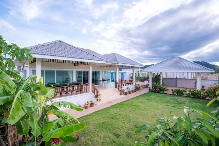 Beautiful Pool Villa