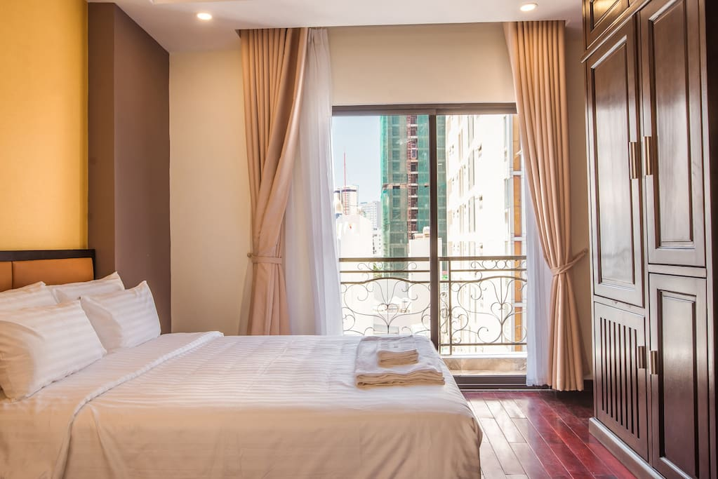 Deluxe Quaduple room, 2 double beds, with balcony, Price from 600.000vnd/night