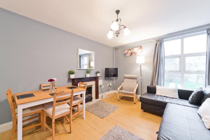 **super convenient city centre apartment**monthly discounts