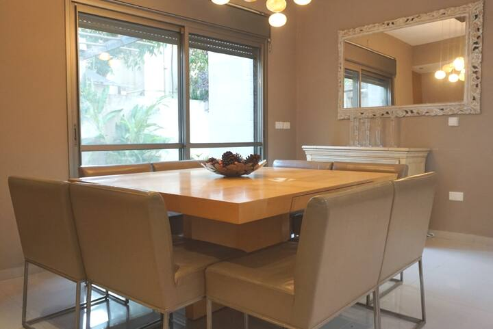 Big Ra'anana apartment with private garden 140SM!