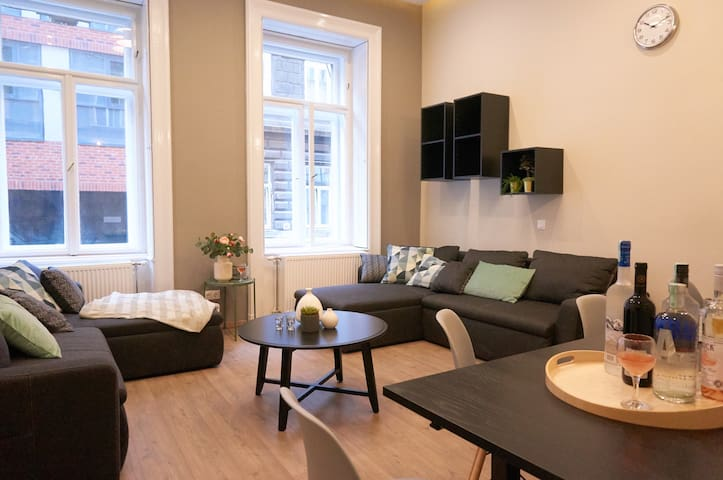 SOHO apartment in the city with your own beer tap