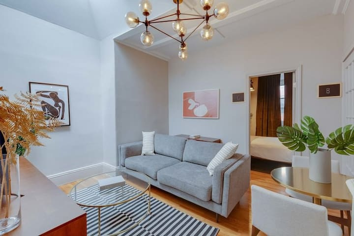 Spacious Full Room in Beacon Hill