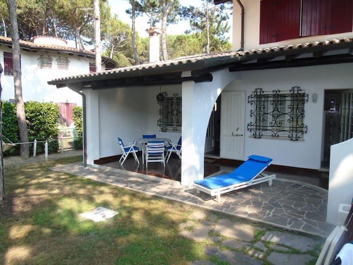 Villa a schiera con due camere e piscina