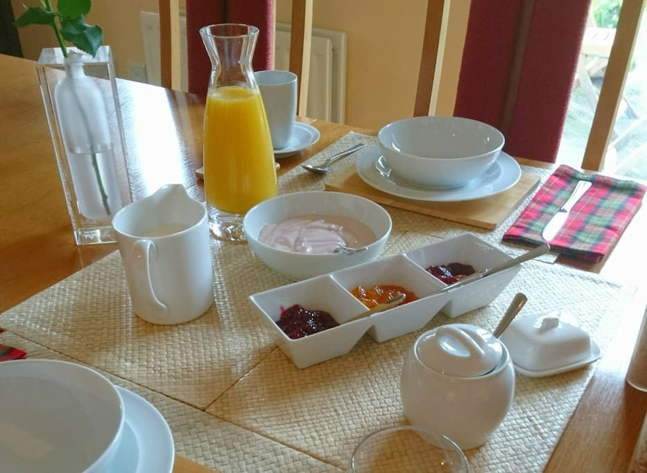 Complimentary light continental breakfast served from 8.00am