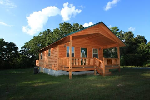Secluded cabin w/hot tub; UTV trails