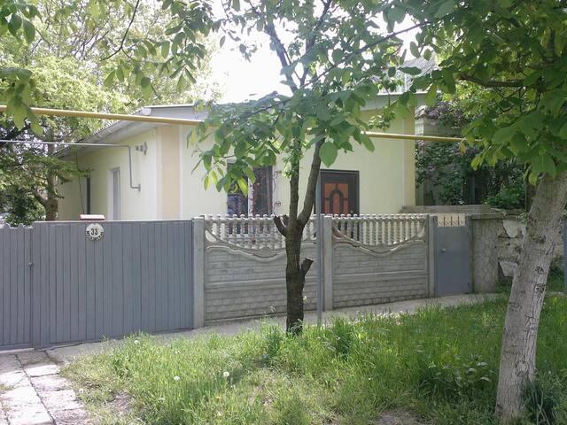 Уютный домик в городе Керчь