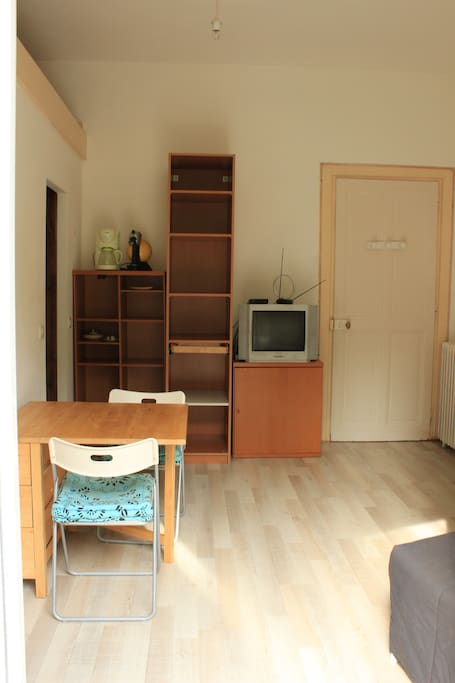 studio meubl centre ville maisons louer aix les bains auvergne rh ne alpes france. Black Bedroom Furniture Sets. Home Design Ideas
