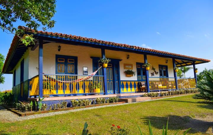 Finca Altamira Rancho La Soledad Montenegro Q.