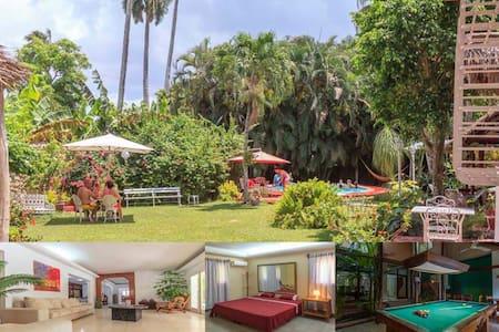 La Finca House, Punta Brava 2B&B