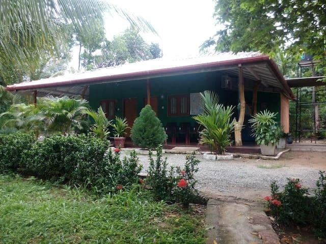 Walawa Cottage - Udawalawe - Udawalawa - Bungalov