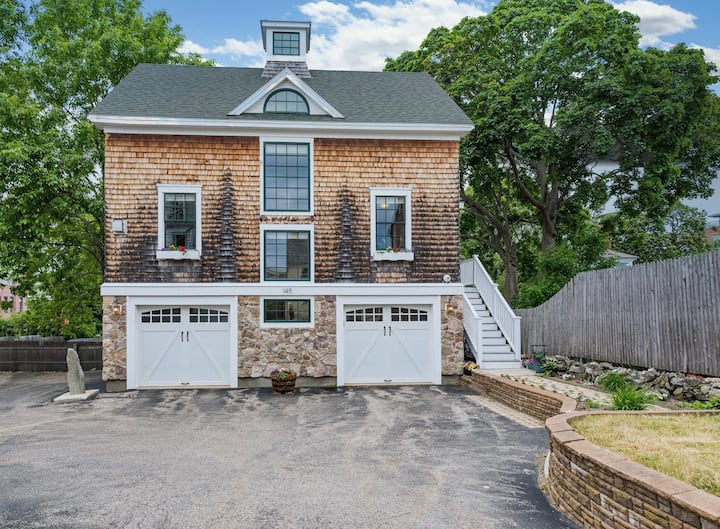 Modern single family home, Downtown Portsmouth!