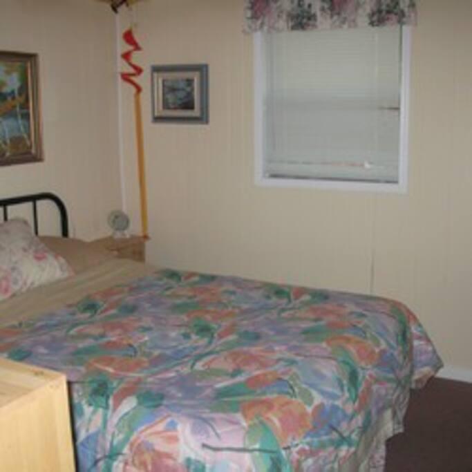 Bedroom #2 - Queen Bed & open closet