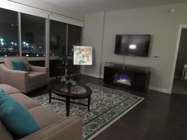 LUXURY Apartment Reston Town Center - Reston