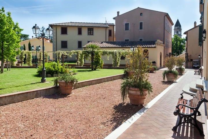 Villa Borri, appartamento trilocale centrale