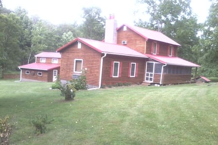 Beautiful log cabin - Mount Jackson