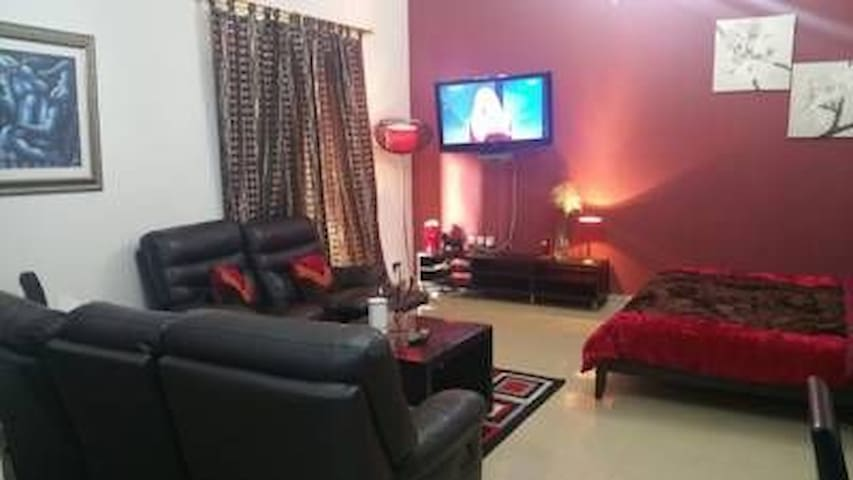 One room in 2 bhk , full furnished