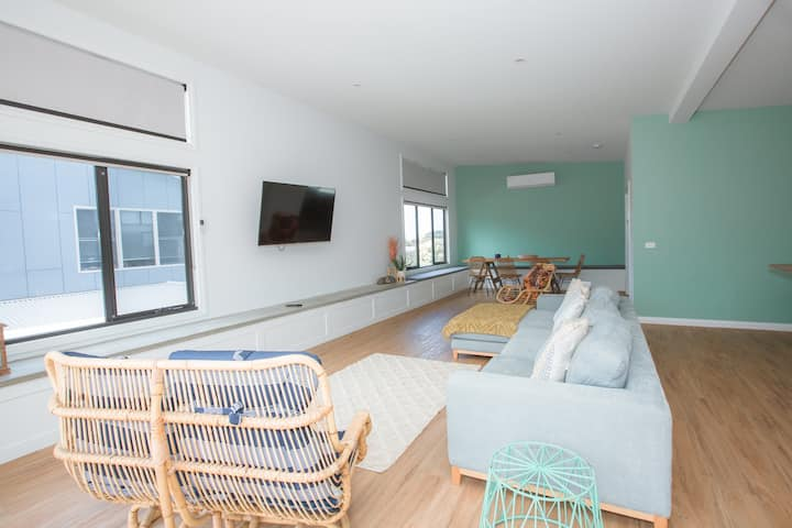 Bay Bach 600m to beach! FREE WIFI LINEN & CLEANING