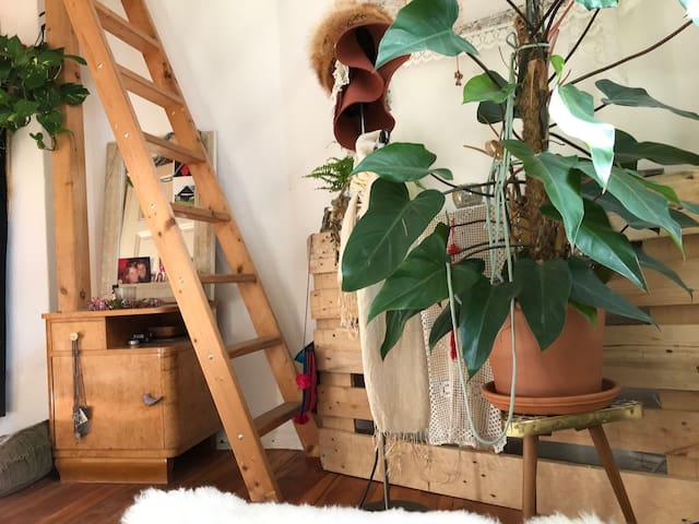 Sunny Cozy Room Near EastSideGallery