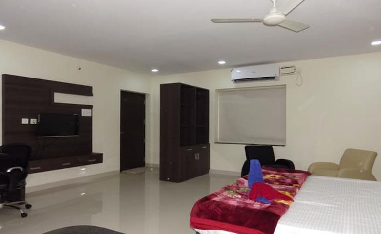 PRANAVA NIVAS SERVICE APARTMENTs - Hyderabad - Byt