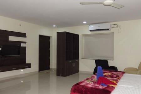 PRANAVA NIVAS SERVICE APARTMENTs - Hyderabad - Apartment