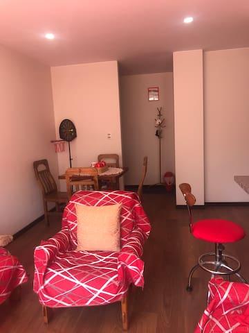 Habitación cómoda con baño privado en zona sur