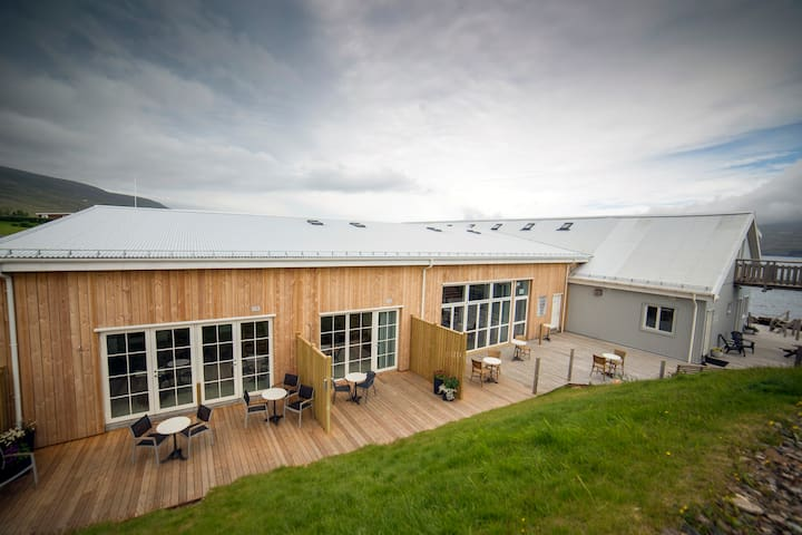 Blabjorg Guesthouse: Double room with sea view