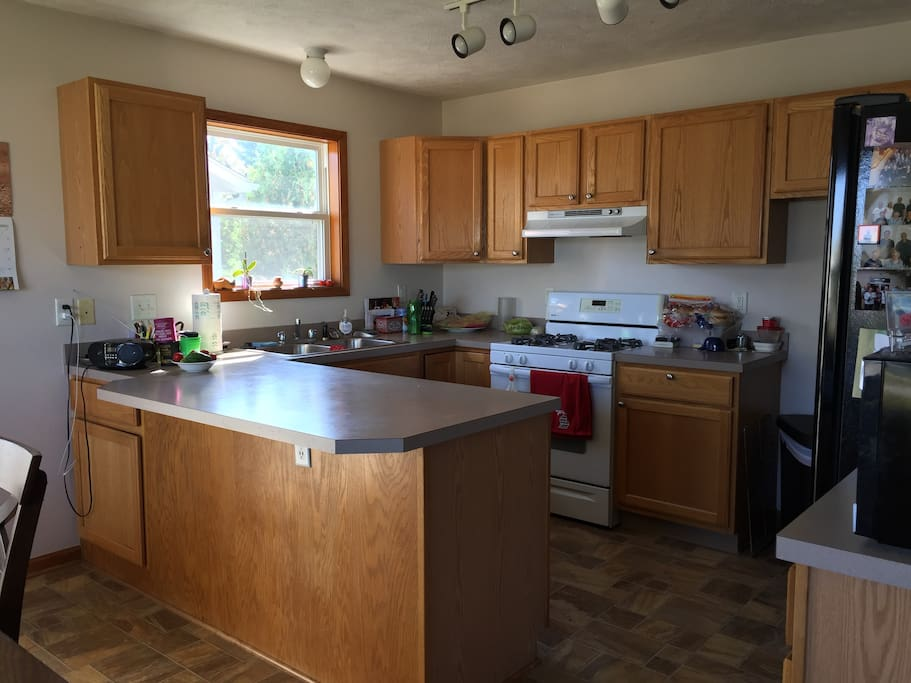 Kitchen available for cooking or just pitting together a simple breakfast from the choices available.