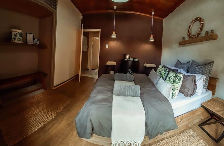 Lush Room 4